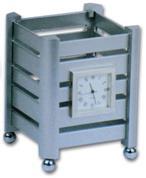 Μολυβοθήκη μεταλλική με ρολόι